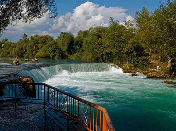 آبشار ماناوگات ترکیه
