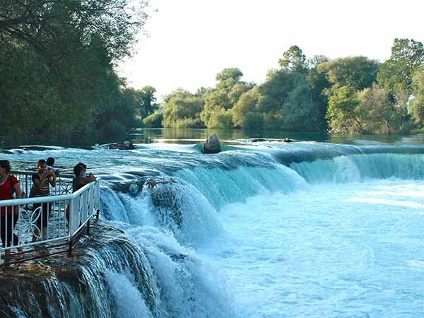 آبشار ماناوگات ترکيه